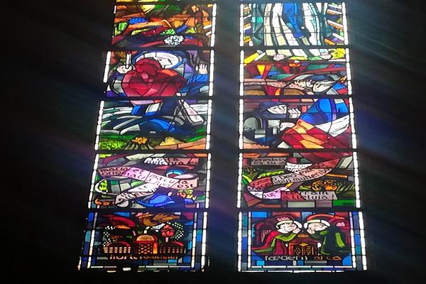 Le vitrail méconnu de la cathédrale de Rodez